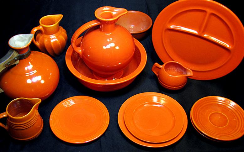 Uranium oxide dinnerware